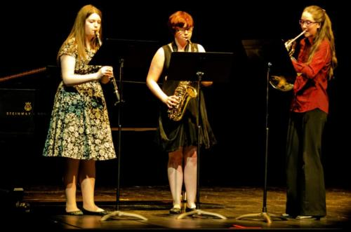 "Stephanie Olson, Danielle McAfee and Juanita Hohm perform ""Mélodithèque"""